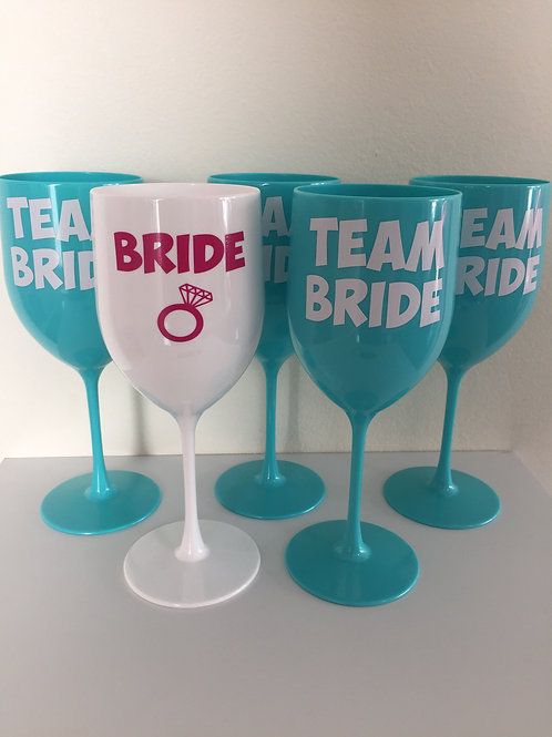Kit 5 Taças personalizadas: 4 turquesa Team Bride + 1 taça Bride