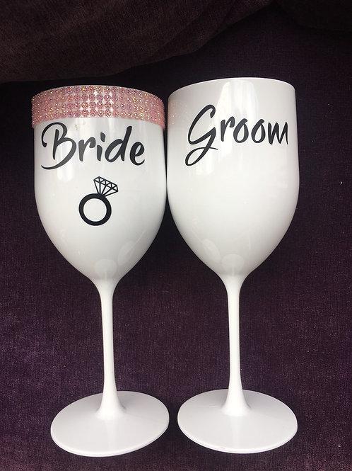 Par de taças Bride e Groom + 2 copões Bride e Groom