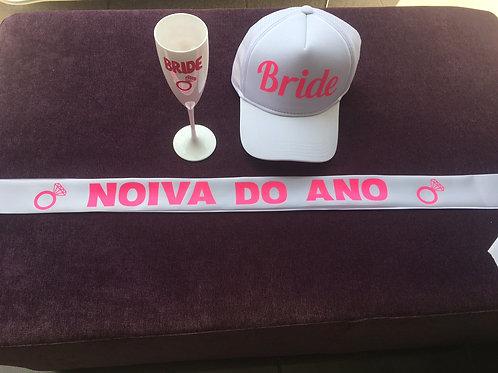 "Kit: Boné branco Bride + 1 taça de espumante Bride + 1 faixa ""Noiva do Ano"""