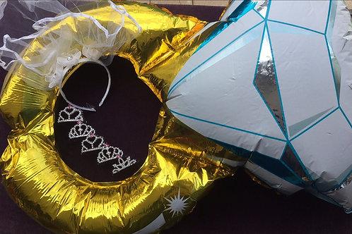 Kit: 1 véu + 1 balão aliança + 5 coroinhas