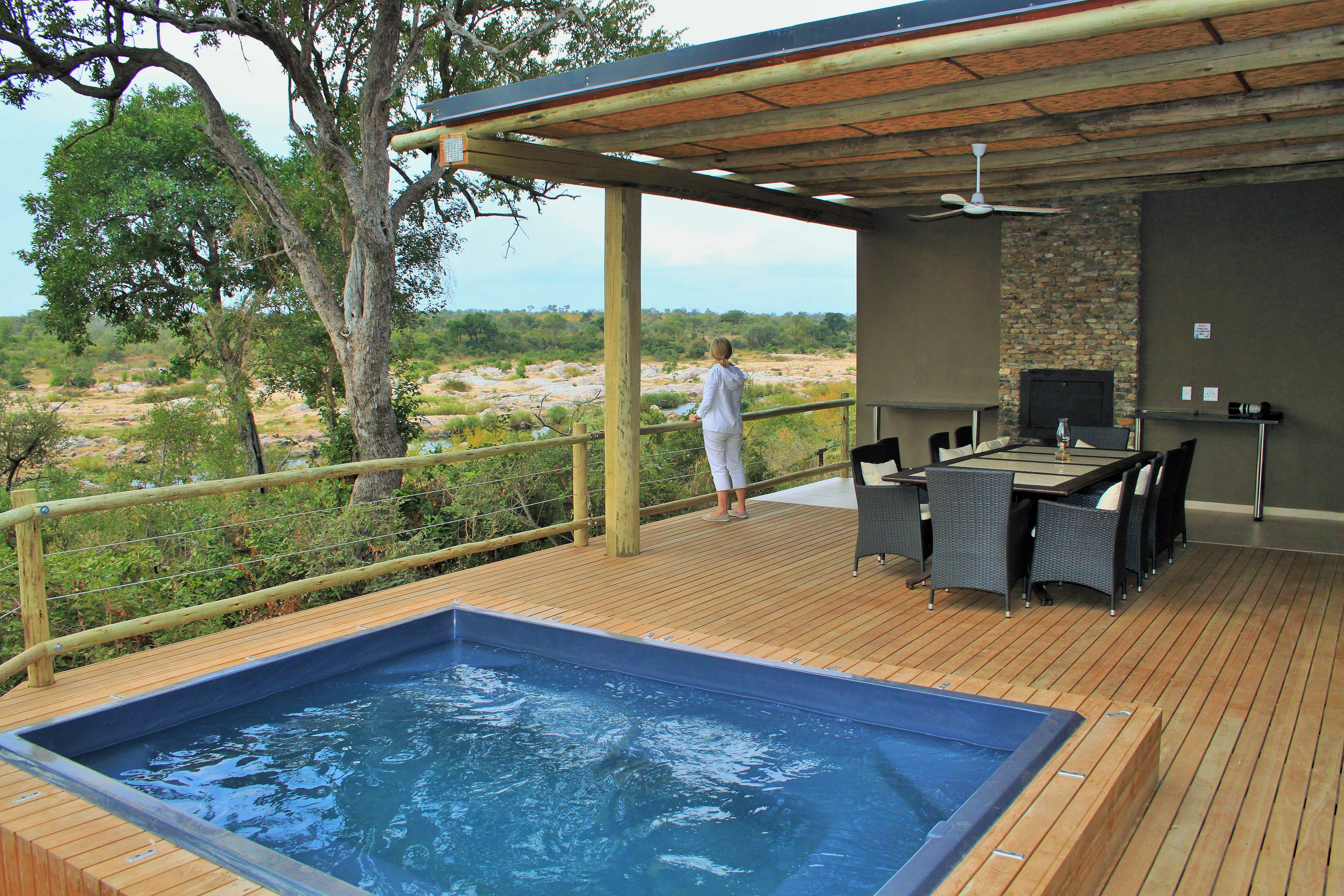 Mjejane Game Reserve - Pool & view
