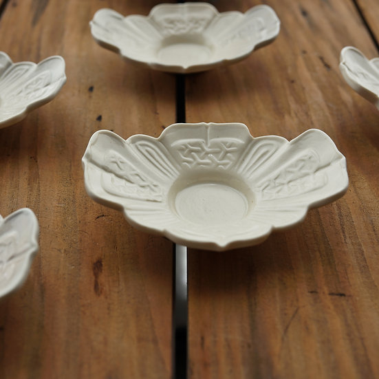 白瓷茶托(鎧) teacup saucer