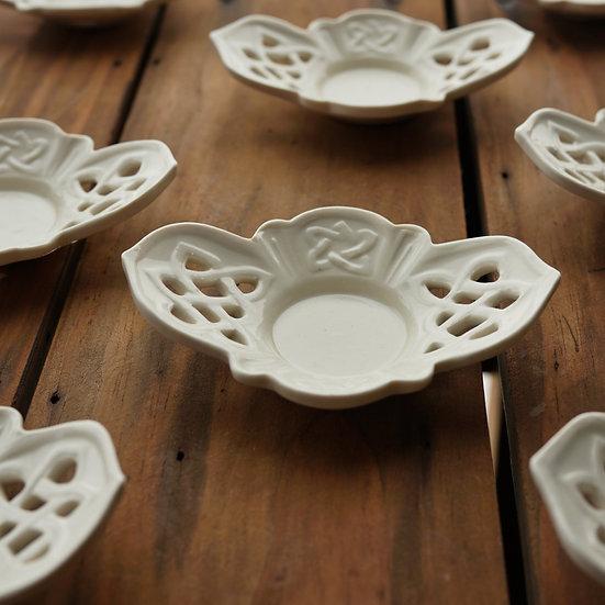 白瓷茶托(メビウス) teacup saucer