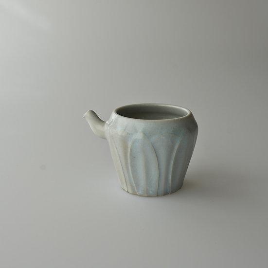 白瓷蓮弁紋茶海01 tea pitcher