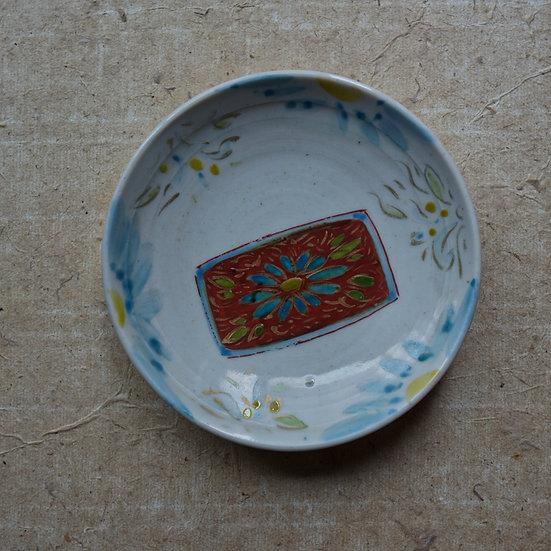 White porcelain dish (12cm) 03 by Tomoya Numata | 沼田智也 白磁四寸皿 03