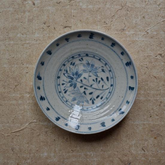 White porcelain dish (12cm) 05 by Tomoya Numata | 沼田智也 白磁四寸皿 05