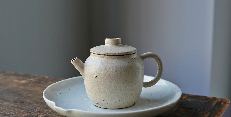 Teapot 06 by Baokun Sun | 孫宝坤 白釉茶壺06