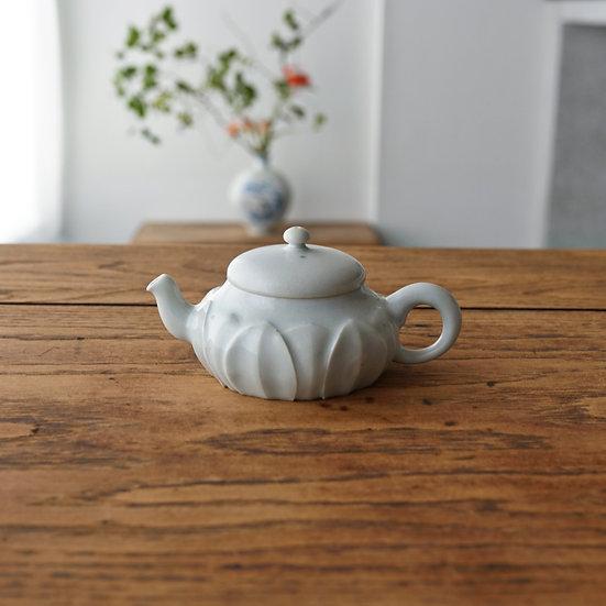 白瓷蓮弁紋茶壺C03 teapot