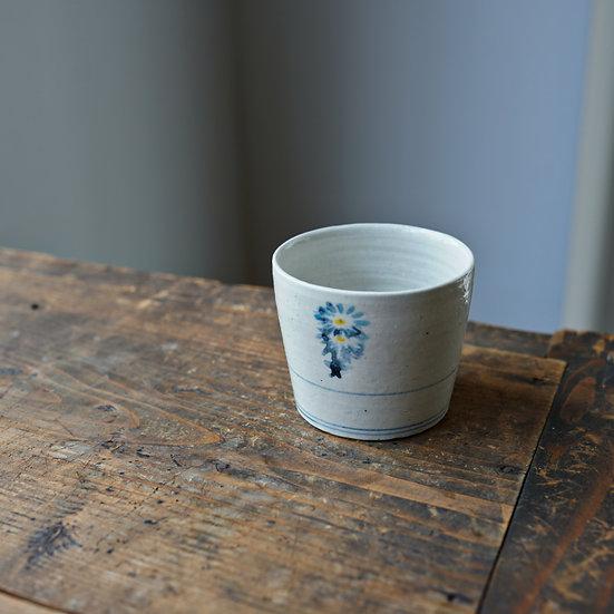 White porcelain cup 16 by Tomoya Numata   沼田智也 白磁猪口16