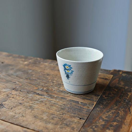 White porcelain cup 18 by Tomoya Numata | 沼田智也 白磁猪口18
