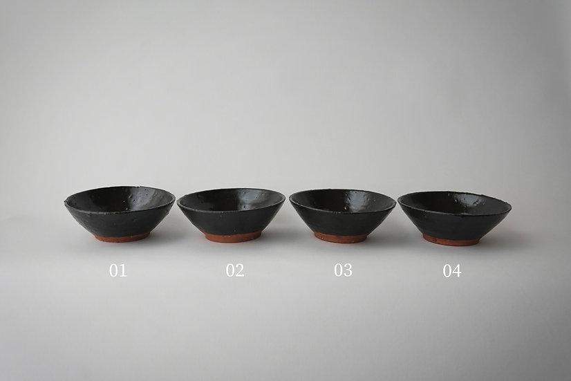 Teapot plate (black glaze) by Baokun Sun | 孫宝坤 黒釉壺承
