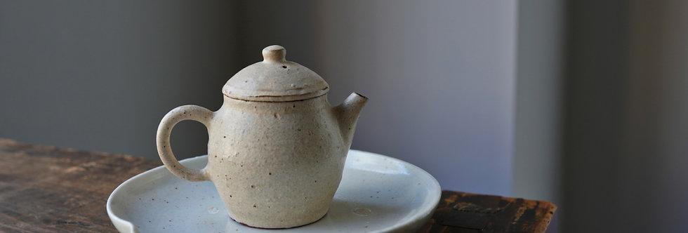 Teapot 03 by Baokun Sun | 孫宝坤 白釉茶壺03