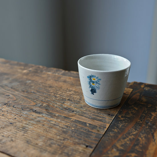 White porcelain cup 19 by Tomoya Numata | 沼田智也 白磁猪口19