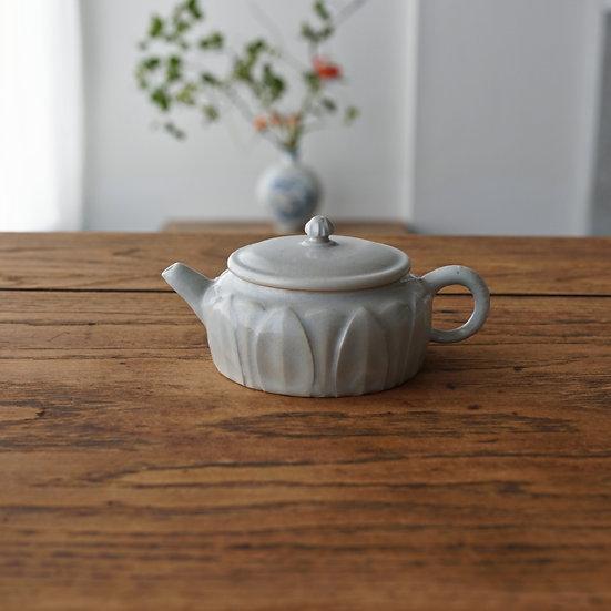 白瓷蓮弁紋茶壺D02 teapot