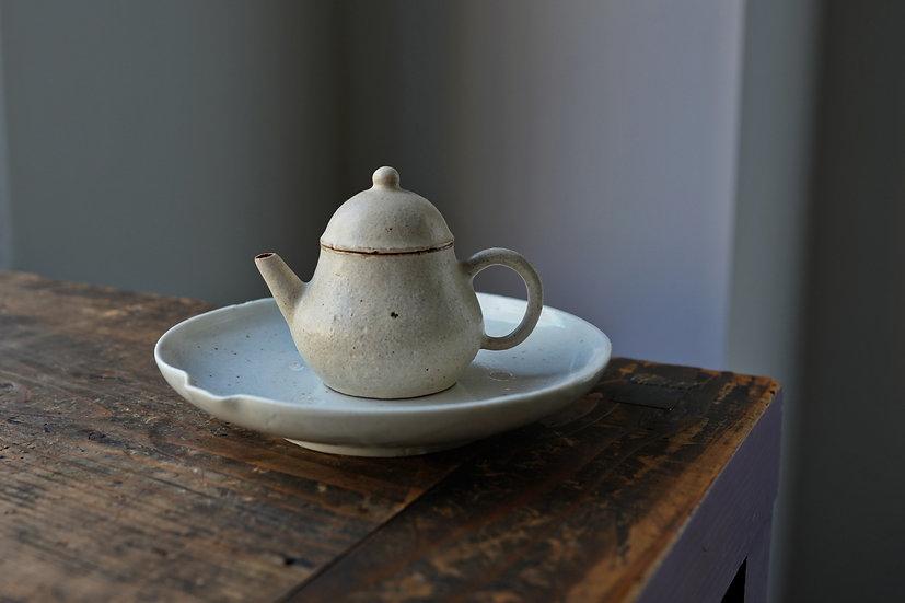 Teapot 05 by Baokun Sun | 孫宝坤 白釉茶壺05