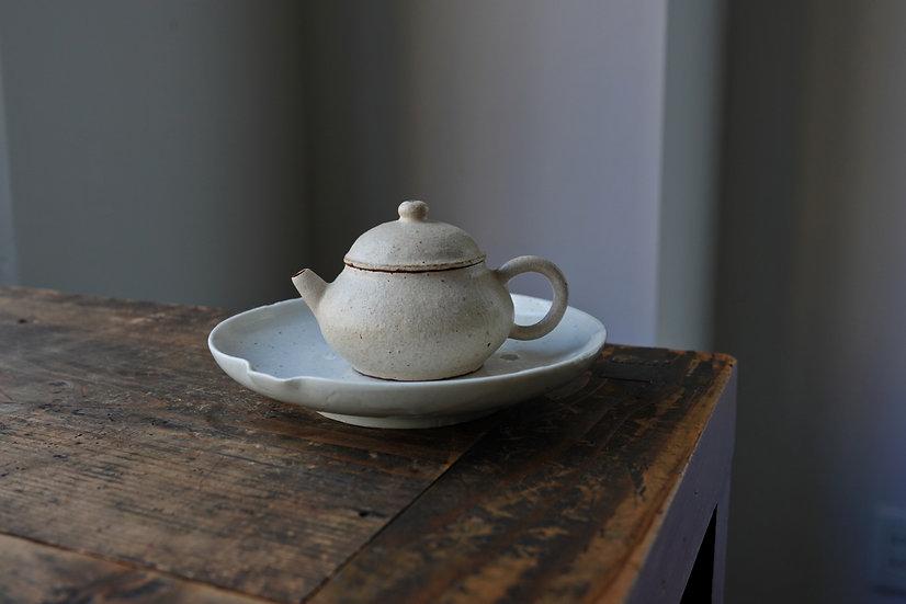 Teapot 01 by Baokun Sun | 孫宝坤 白釉茶壺01