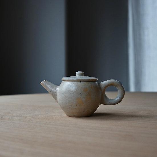 白瓷丸茶壺 タナカシゲオ