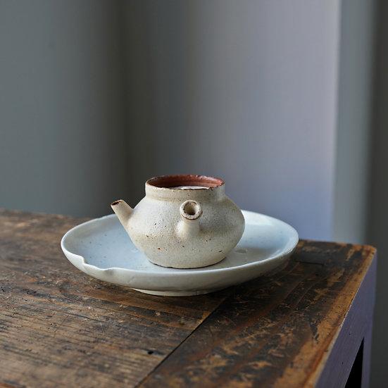 Teapot 11 by Baokun Sun | 孫宝坤 白釉茶壺11