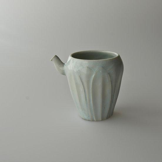 白瓷蓮弁紋茶海04 tea pitcher