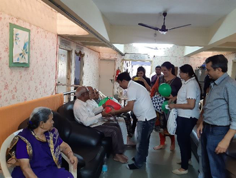Visit to old age home.bmp