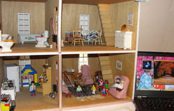 Dollhouse with Sensors in Rooms