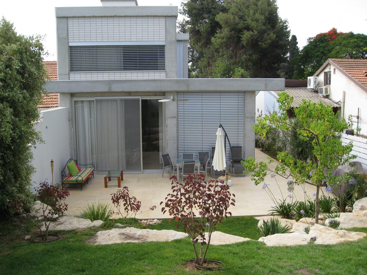 Construction of private villa
