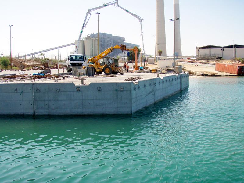 בניית רציף גוררות בנמל אשדוד