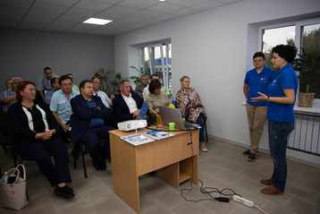 Presenting results of EU funded project to the mission from Brussels in Pokrovsk, Donetsk region