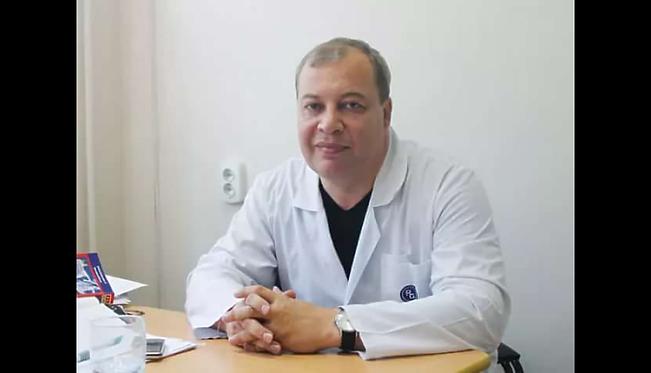 Профессор - Плеханов Леонид Александрович