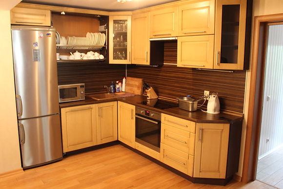 Кухня в коттедже Твоя Дача Селигер