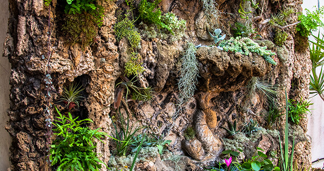 Cascada de gaudi barcelona.jpg