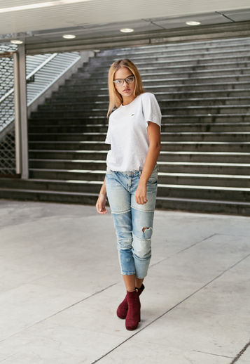 Tee-shirt and Boots