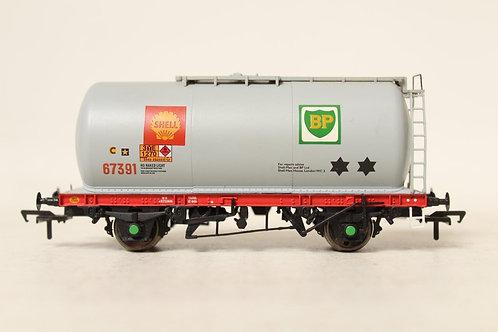 Bachmann 'Shell BP' Oil Tanker Wagon B1