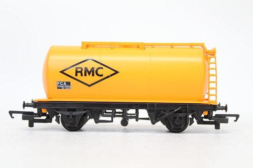 Hornby R6421 RMC Petrol Oil Tank Wagon Y4