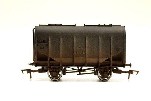 Dapol Closed Hopper Grain Wagon OO Gauge Q3