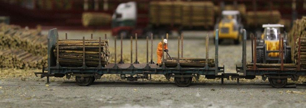 Bulkscene Small Diametre Logs Dockside S