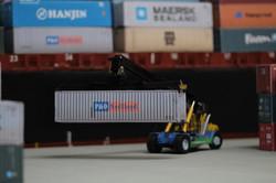 container handler dockside OO