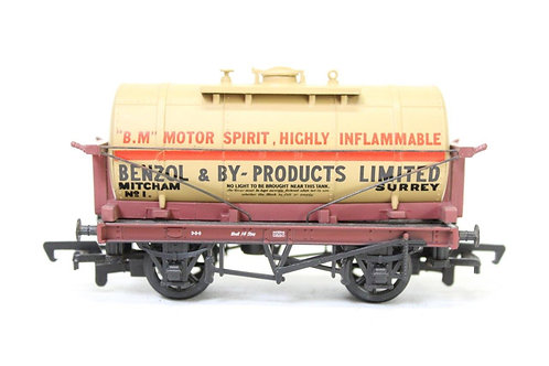 Mainline 37177 Oil Tank Wagon 'Benzol' E9