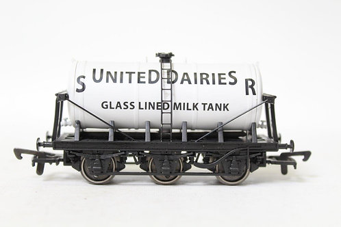 Dapol B687 'United Dairies' Glass Lined Tank 6 Wheel Milk Tanker Wagon T6