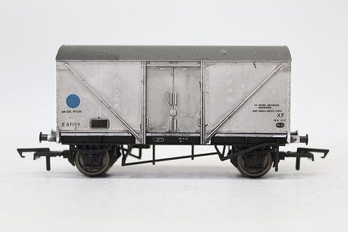 Hornby E87159 12T Insulated Fish Van Wagon Weathered OO (Q17)