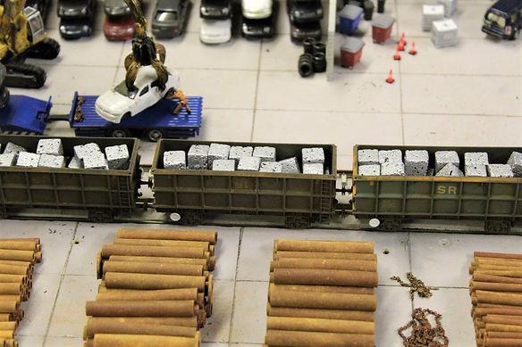 Aluminium Scrap Bales in Bachmann wagons