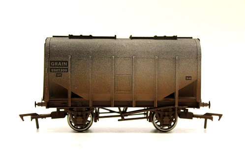 Dapol Closed Hopper Grain Wagon OO Gauge Q2