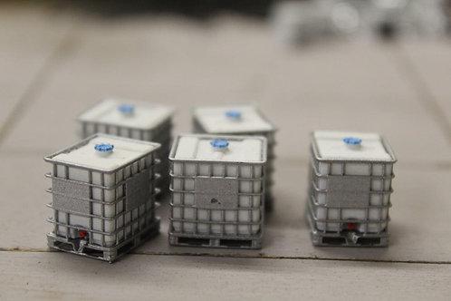 5 x IBC Pallet Tanks 1000L with Blue Lids