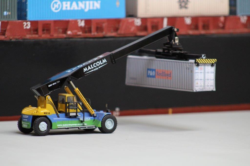 container handler shipside OO