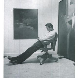 Photo of the artist in his studio