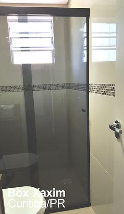 box para banheiro vidro fume com perfil trilho quadrado preto curitiba