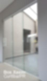 porta_correr_vidro_temperado_mao_amigo_camarao_curitiba