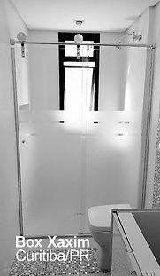 box de banheiro vidro incolor com pelicula adesiva jateado perfil trilho roldanas aparentes  curitiba