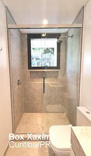 box de banheiro vidro incolor transparente temperado perfil trilho quadrado cor cromado prata com puxador curitiba