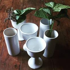 DECOR RENTAL_ Beautiful white ceramic go
